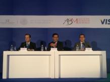 La Asociación de Bancos de México, el Instituto Nacional del Emprendedor y Visa se reunieron en torno al 5to Foro para Pymes. Foto: Especial.