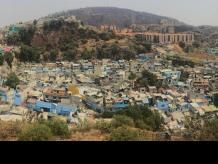 En esta barriada, ser joven y soñar es difícil. Foto: Vice News