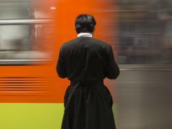 La percepción no es un sueldo como tal, ya que los sacerdotes no son considerados como empleados. Foto: Cuartoscuro