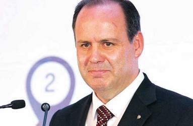 Para Gustavo de Hoyos Walther, presidente de la Coparmex,  es preciso revisar la constitucionalidad de la ley del ISR.  Foto: David Hernández/Archivo