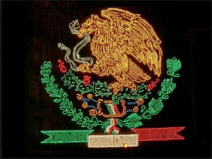 diferentes cambios de la bandera de mexico